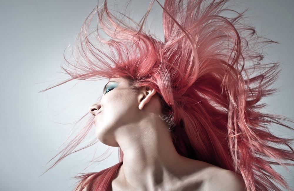 Usos de la laca de pelo que no conocías