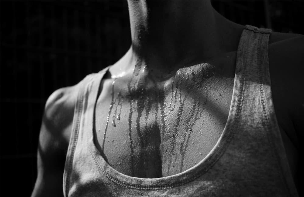 Hiperhidrosis en hombres, un padecimiento… muchas soluciones